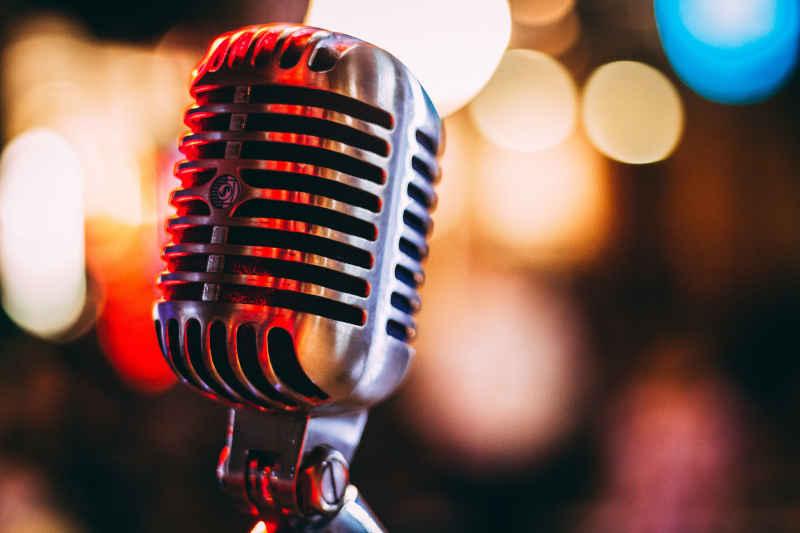 Etat, działalność gospodarcza czy MLM - profesjonalny mówca